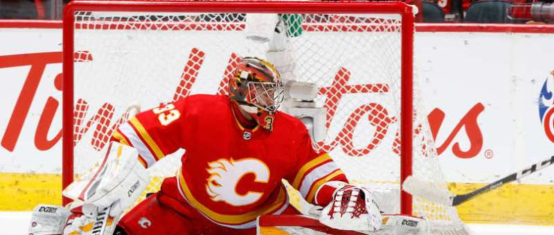 CALGARY, AB - NOVEMBER 17: David Rittich #33 of the Calgary Flames makes a save against the Edmonton Oilers during an NHL game on November 17, 2018 at the Scotiabank Saddledome in Calgary, Alberta, Canada. (Photo by Gerry Thomas/NHLI via Getty Images)