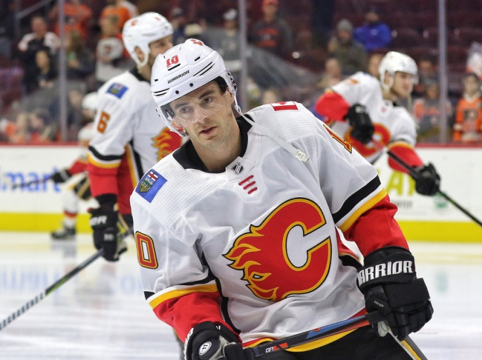Derek Ryan of the Calgary Flames. Image Credit: The Canadian Press / Jeff McInstosh